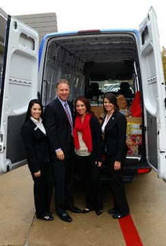 park place motorcars fort worth donates 2 tons of food north texas e news. Black Bedroom Furniture Sets. Home Design Ideas