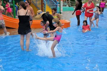 Hawaiian Falls hosts Champions Day for special needs families